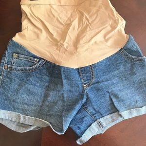 Maternity Lot of 2 pairs of shorts and 1 skirt
